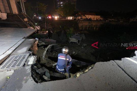 Polisi temukan beberapa masalah pada proyek jalan amblas