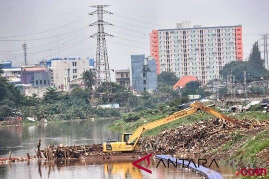 Pemprov DKI kebut normalisasi sungai jelang puncak musim hujan