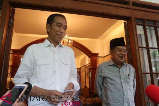 Jokowi: Konstitusi tak memungkinkan saya bersama Pak JK