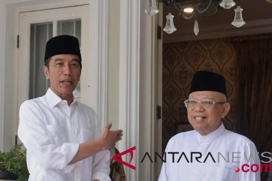 Jokowi makan siang bersama KH Ma'ruf Amin