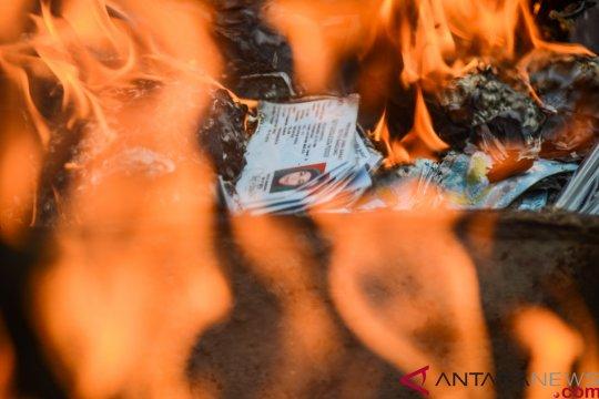 Dinsosdukcapil Papua bakar 4.000 KTP-e rusak