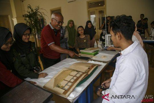Perawatan Naskah Kuno Museum Sonobudoyo