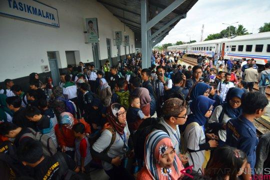 PT KAI targetkan angkut 435 juta penumpang pada 2019