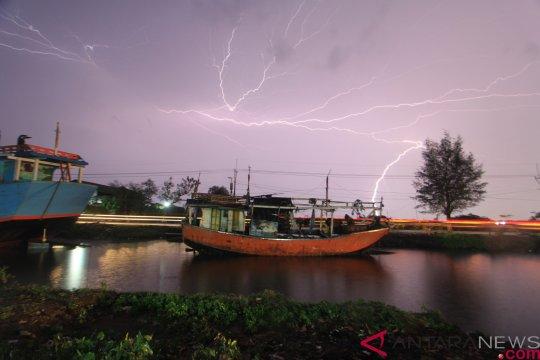 BMKG peringatkan hujan akibat sirkulasi siklonik Samudera Hindia