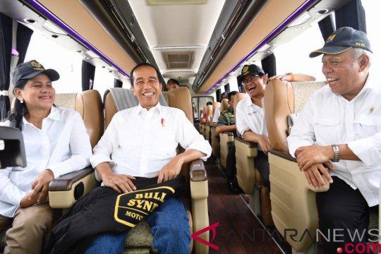Istana Jokowi dari target merampungkan proyek hingga perang melawan hoaks