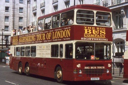 Kampanye simpatik di Inggris, Relawan #01Jokowi-Amin gunakan London Bus Tour