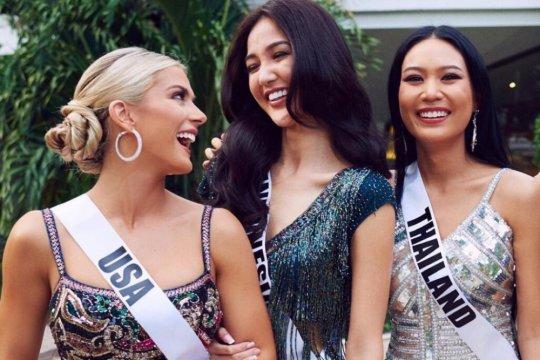 Miss USA minta maaf karena ejek bahasa Inggris Miss Vietnam