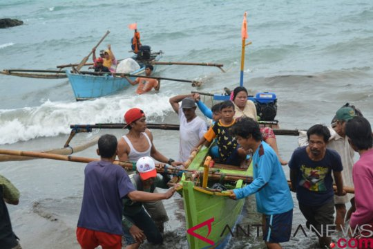 Pascatsuami nelayan pesisir Bandarlampung mulai melaut