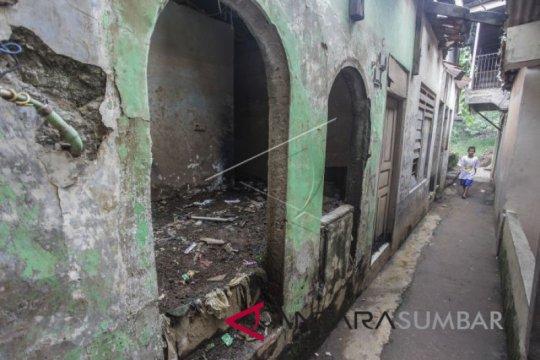 Kemarin, nasib Lurah Jelambar hingga alasan ada genangan di Jakarta