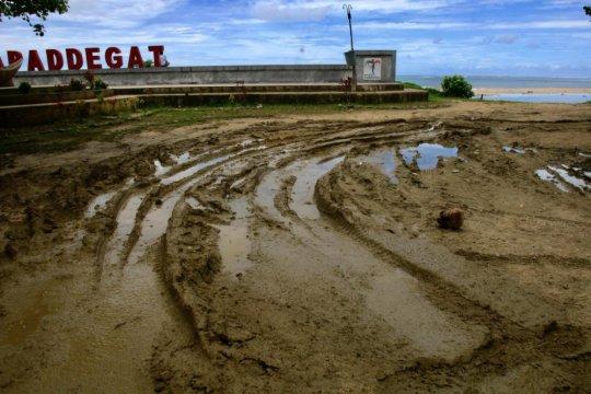 Kepulauan Mentawai belum lepas dari status tertinggal