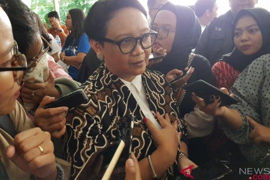 Prioritas polugri Indonesia disimbolkan dengan motif batik