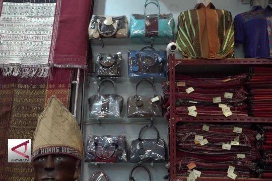 Ulos, tenun tradisional yang menghidupkan UKM