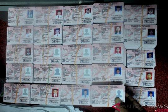 Disdukcapil Ambon terbitkan 3.000 kartu identitas anak