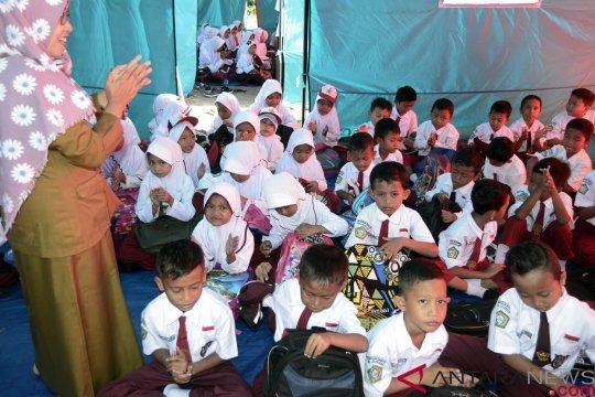 Guru TK Jakarta bantu korban tsunami Lampung Selatan