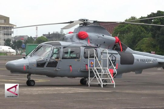Penyerahan helikopter AKS dan Pesud CN 235 ke Kemenhan
