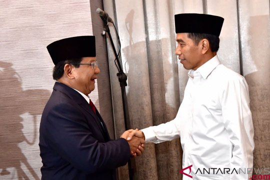 Jokowi sebut beda pendapat di kabinet adalah dinamika