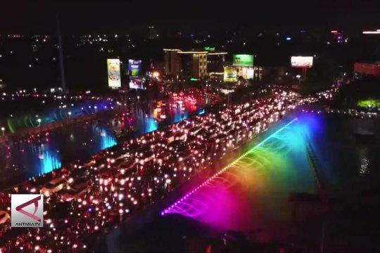 Air Mancur Menari Warnai Kemeriahan Tahun Baru Di Semarang Antara Tv