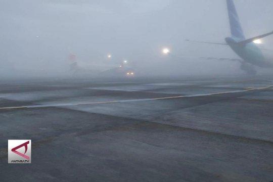 Kabut tebal, Bandara Adi Soemarmo ditutup sementara