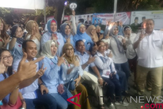 Nonton bareng pendukung Prabowo-Sandiaga di Bali sederhana