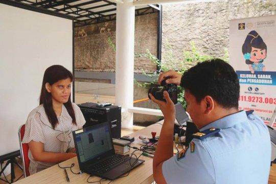 Imigrasi Jakarta Barat hadirkan layanan paspor ramah tuna netra