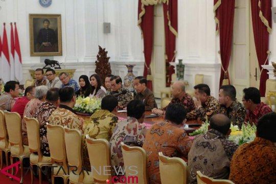Presiden Jokowi terima pengusaha beras di Istana Merdeka