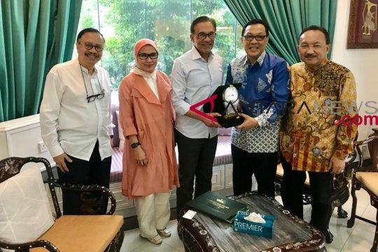 Anggota DPD RI bertemu Anwar Ibrahim