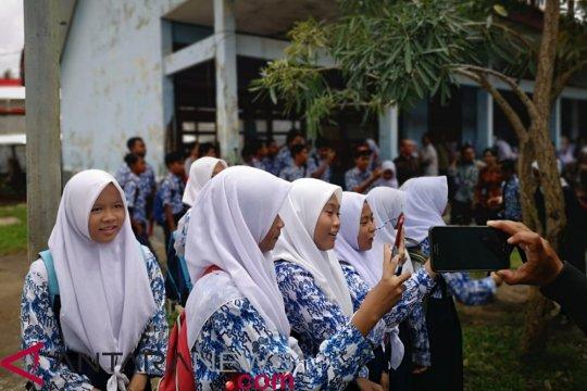 Presiden sidak bangunan sekolah rusak di Muara Gembong Bekasi