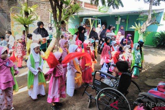 Ketulusan Fatmawati  rajut masa depan anak berkebutuhan khusus