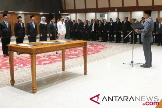 Anies lantik tujuh pejabat pimpinan tinggi pratama
