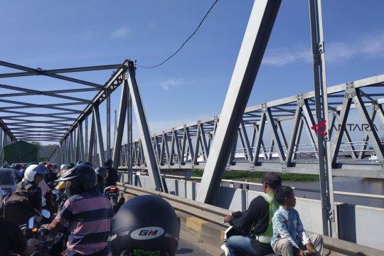 Jembatan Paralel Landak Rabu besok mulai difungsikan