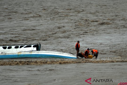 Tiga nelayan Bintan diselamatkan