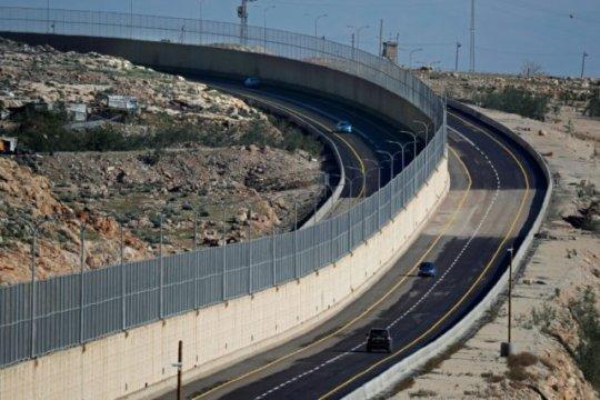 """Ashrawi: """"jalan apartheid"""" israel ancam keamanan dan perdamaian internasional"""