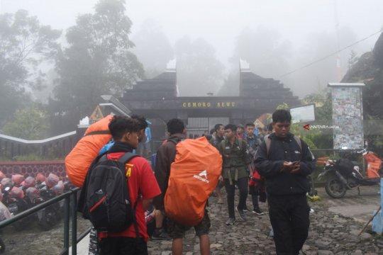 Cuaca buruk, pencarian pendaki Gunung Lawu dihentikan sementara
