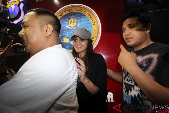 Polda Jatim periksa mantan finalis Puteri Indonesia
