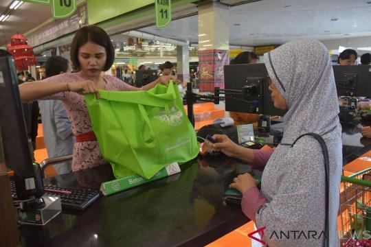 Bupati Penajam berlakukan larangan kantong plastik