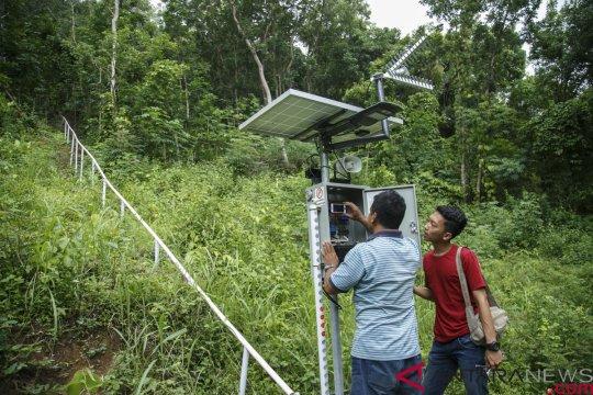 Alat deteksi longsor  buatan BPBD Banjarnegara dipasang di Desa Kebutuhjurang