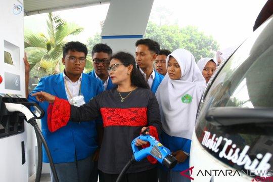 Mobil listrik PLN-ITS tiba di Ketapang Kalbar