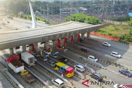 Lalu lintas tol Tangerang-Merak normal pasca-tsunami Selat Sunda