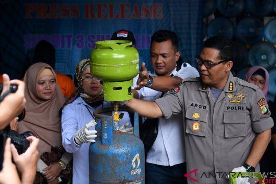 Rilis kasus pengoplosan LPG