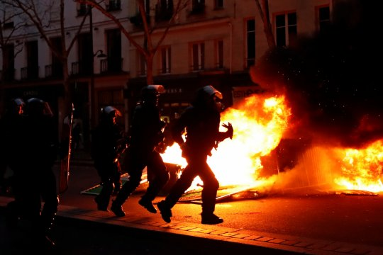 Satu orang cedera dalam protes Rompi Kuning Prancis