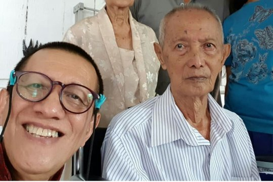 Ayah Didik Nini Thowok tutup usia