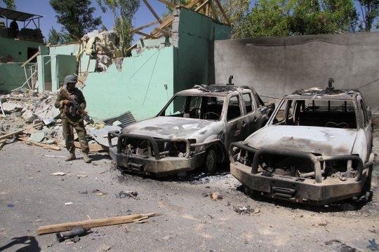 Taliban serbu pos keamanan di Afghanistan, tewaskan 21