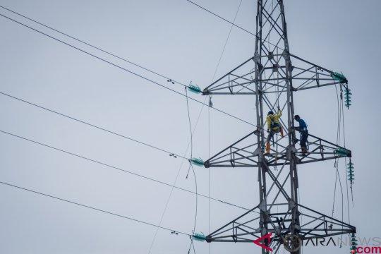 2 bocah kesetrum listrik akibat tali kawat layang-layang