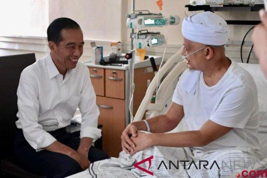 Presiden jenguk Ustaz Arifin Ilham di RSCM