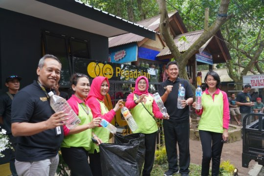Pegadaian resmikan program Bank Sampah di Banyuwangi