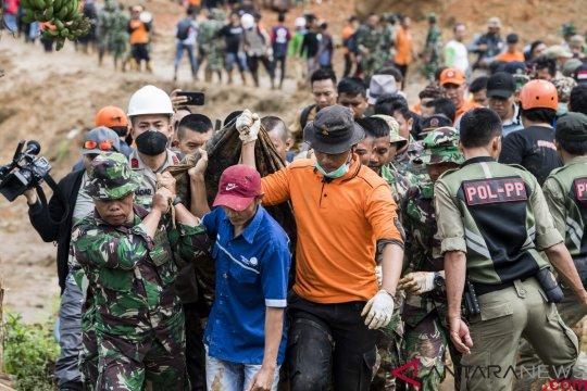 Evakuasi Korban Longsor Cisolok