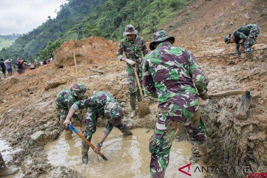 Lima korban longsor Sukabumi kembali ditemukan