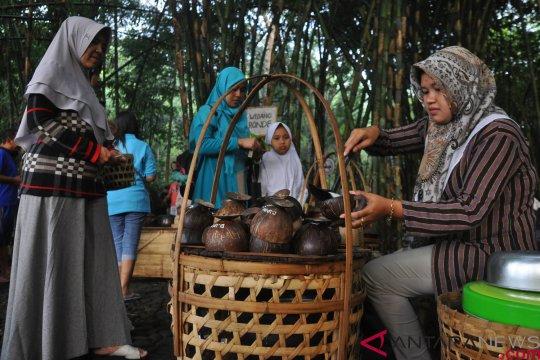 Wisata kuliner di Pasar Papringan Ngadiprono