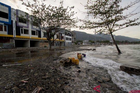 Penurunan permukaan tanah di Palu