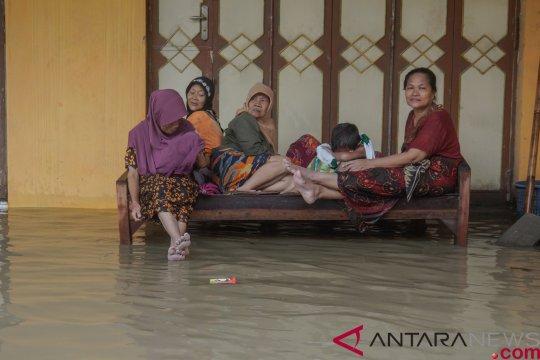 Banjir ganggu kegiatan belajar di Pekalongan